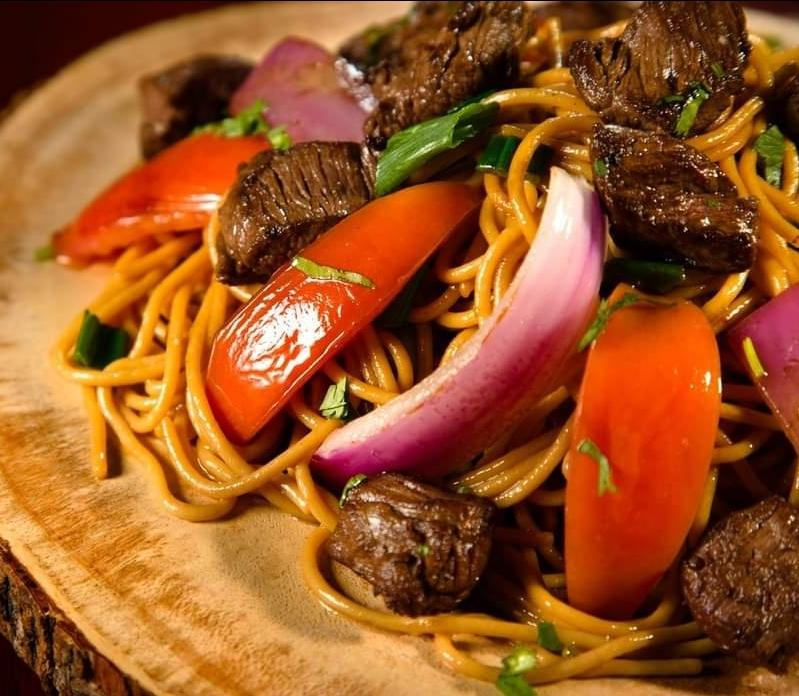 Steak Tallarin Saltado Tray (3-10 Servings)